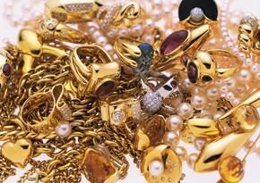 İsveçrədə qatarda 3 kiloqram qızılı unutmuş sərnişin axtarılır