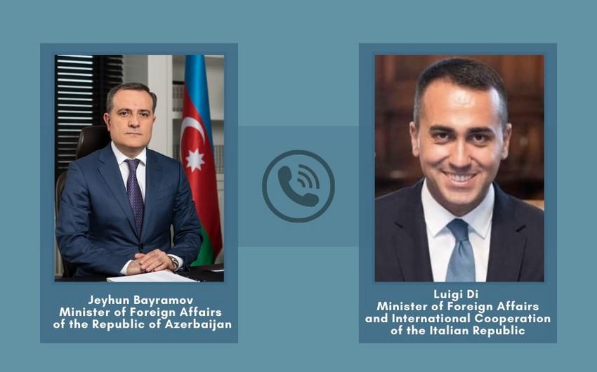 Azerbaijani, Italian FMs hold phone conversation