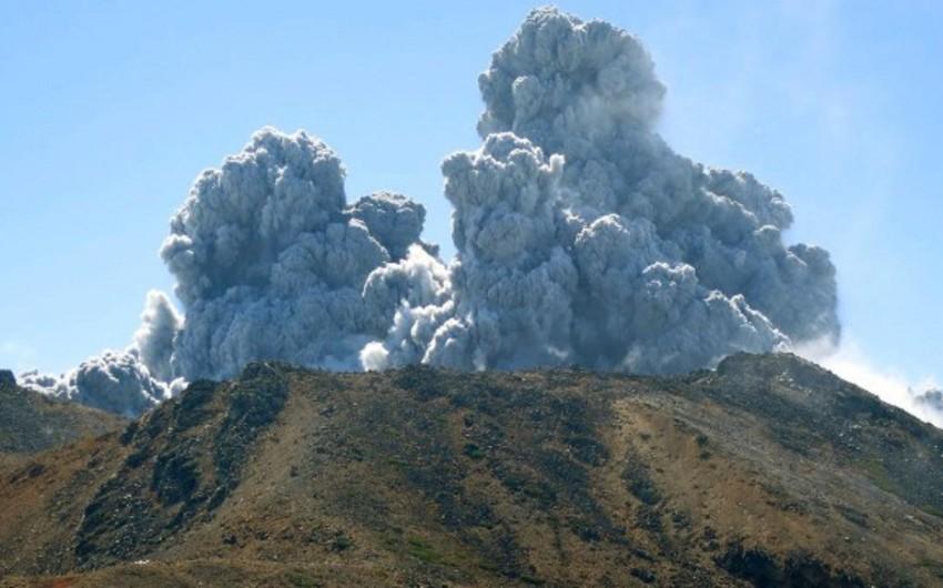 Yaponiyada vulkan püskürməsi nəticəsində 63 nəfər zərər çəkib