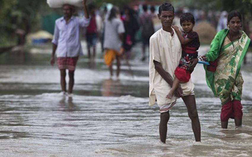 Hindistanın cənubunda tüğyan edən fırtınada 20 nəfər ölüb