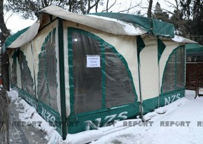 Yolda qalanlar bu çadırda isinir, isti yemək yeyir - FOTOLAR