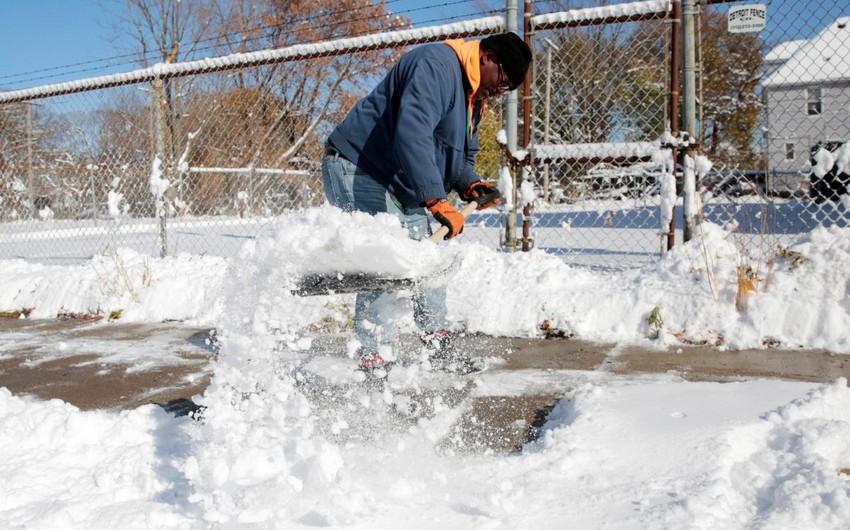 На востоке США погибли четыре человека во время снегопадов