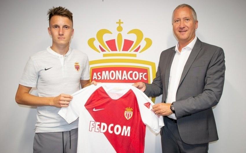 Monako Rusiya millisinin futbolçusunu transfer edib