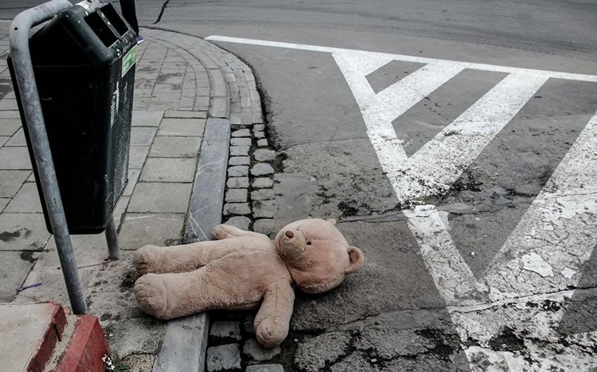 Şəkidə 4 yaşlı qızı mikroavtobus vuraraq öldürüb
