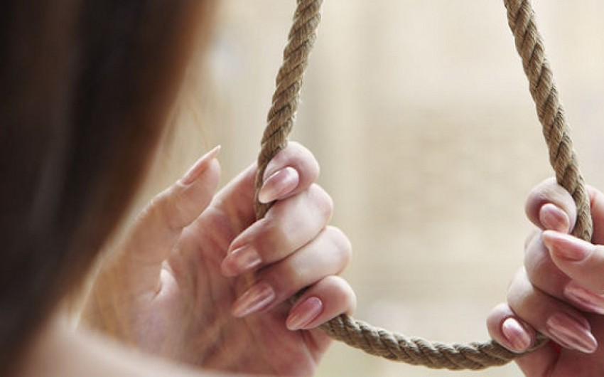 Ağdaşda 20 yaşlı qadın özünü asaraq intihar edib