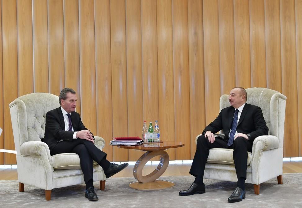 Президент Азербайджана встретился с комиссаром Европейской комиссии