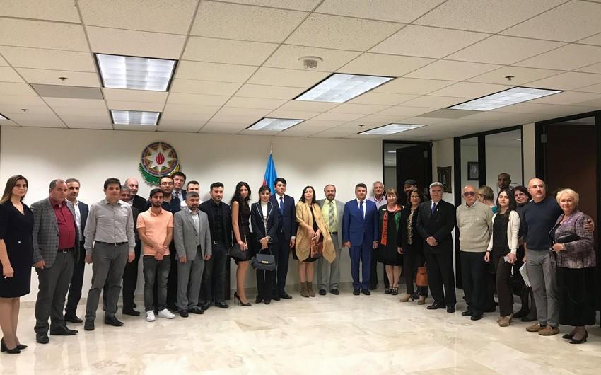 Azərbaycanın Diaspor Komitəsi Kaliforniya azərbaycanlıları ilə görüşüb