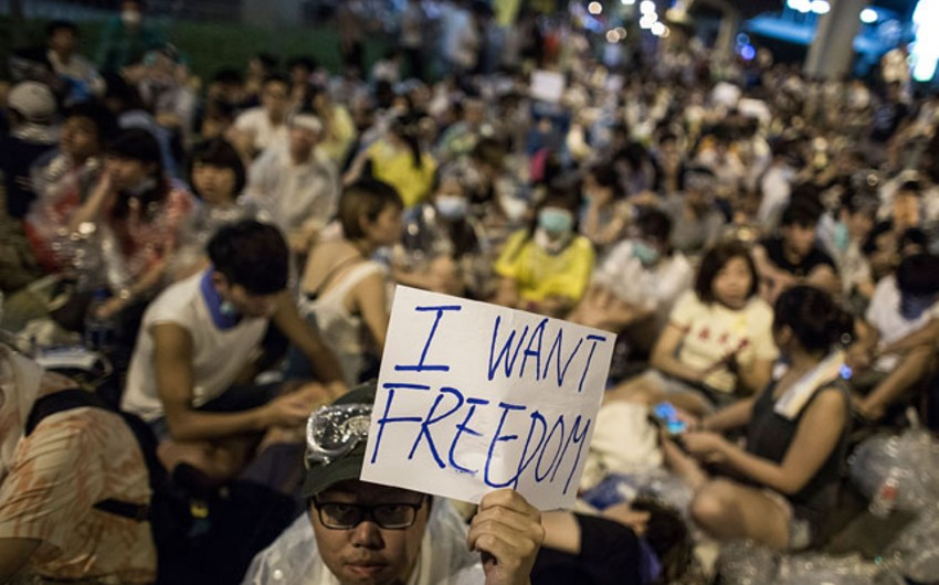 ​40 people suffered in clashes in Hong Kong