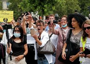 Во Франции 160 тыс. человек вышли на митинги