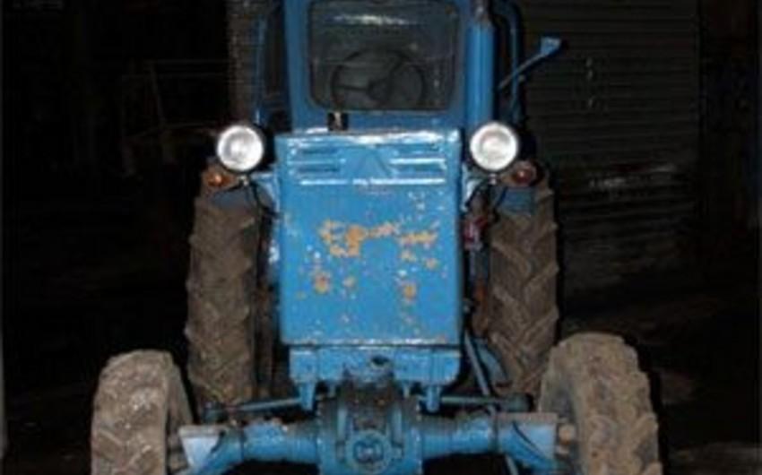 Qazaxda 58 yaşlı kişinin üstünə traktor aşıb