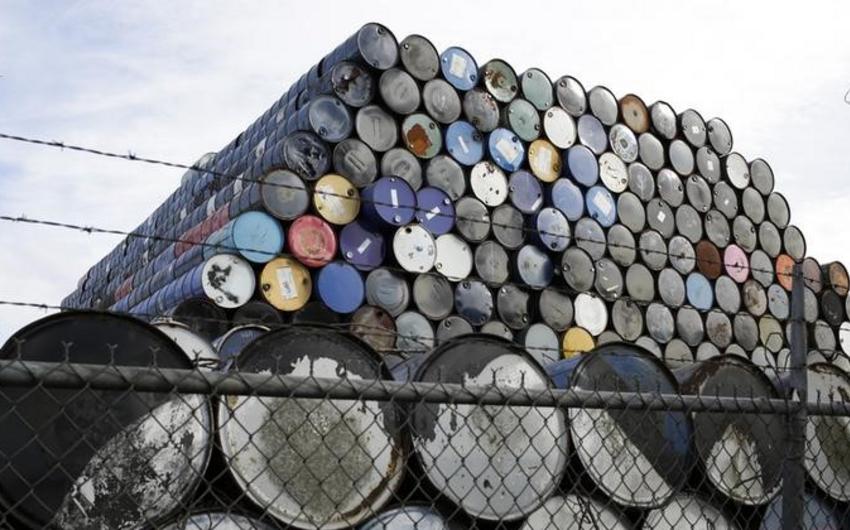 Oil futures prices to slump