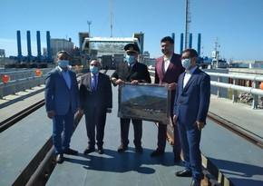 Kurık limanında Azərbaycan gəmi-bərəsi təntənəli qarşılanıb