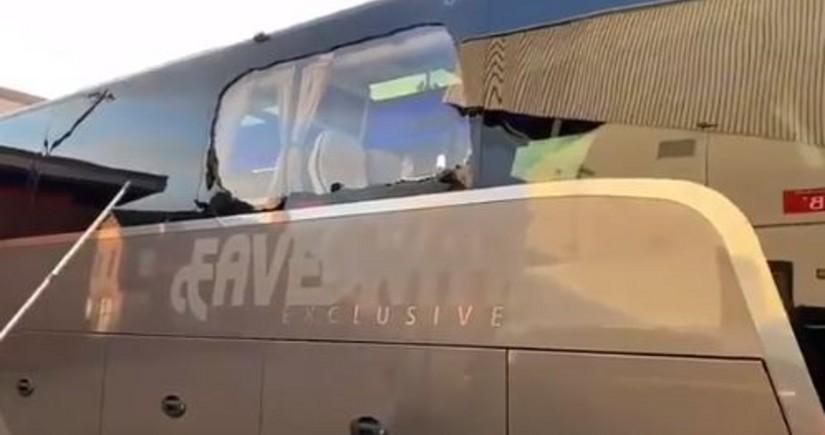 Real Madridin avtobusuna daş və fişəng atıldı