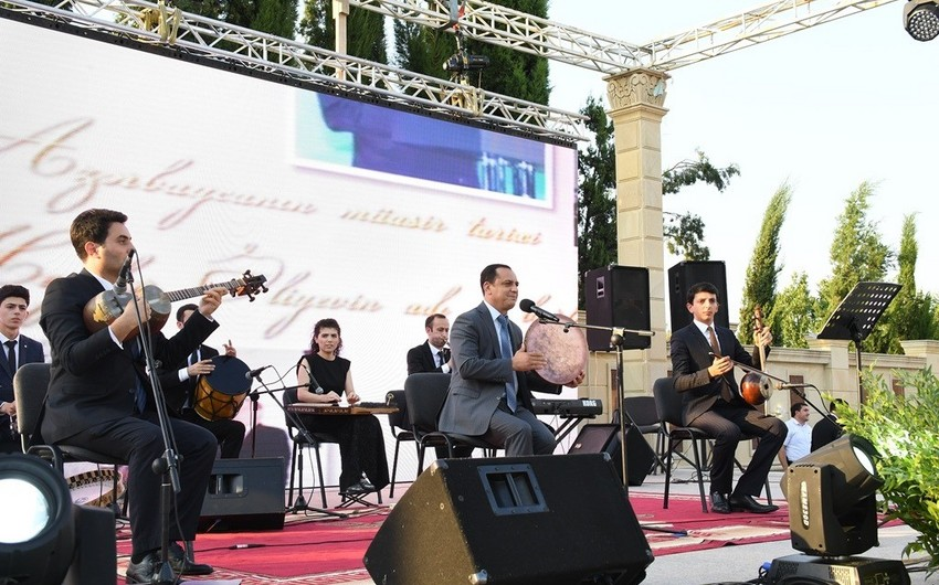 Ağdamda Heydər Əliyevin hakimiyyətə gəlişinin 50-ci ildönümü münasibətilə konsert keçirilib - FOTO