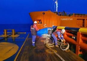Azərbaycan dənizçiləri Qazaxıstan gəmisinə yardım etdi