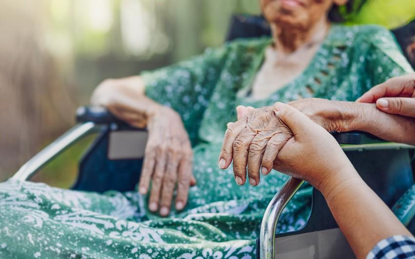 İspaniyada 113 yaşlı qadın COVID-19-dan sağaldı