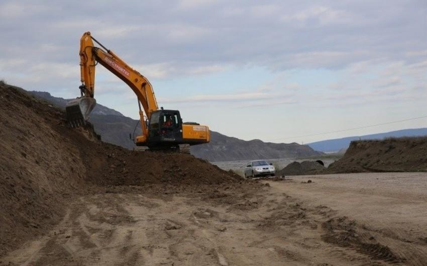 В Дагестане начат ремонт дороги, обеспечивающей транспортную связь с Азербайджаном