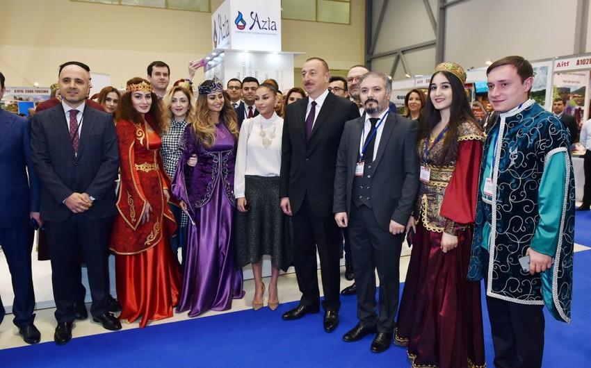 """Prezident İlham Əliyev """"AITF-2017"""" XVI Azərbaycan Beynəlxalq turizm və səyahətlər sərgisi ilə tanış olub - YENİLƏNİB"""