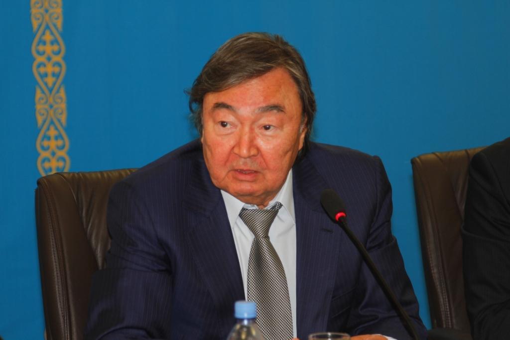 """Oljas Suleymenov: """"I hope Nazarbayov's visit to Baku will cause progress on Karabakh conflict settlement"""""""