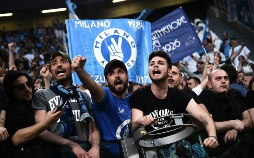 Napolinin 4 azarkeşi İnterlə oyundan əvvəl bıçaqlanıb