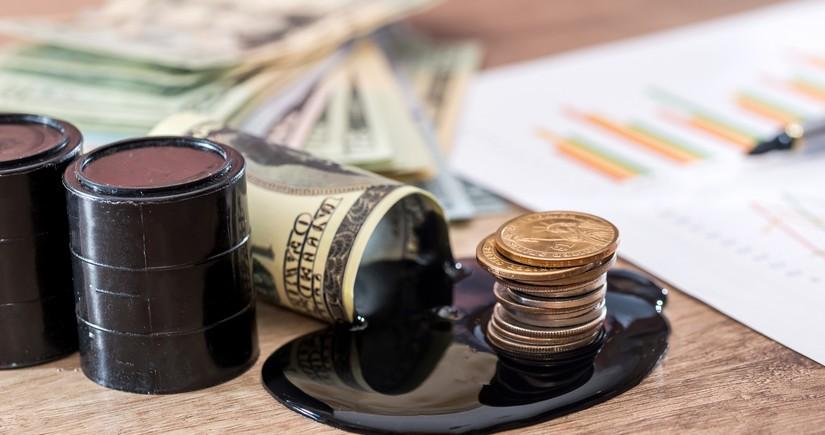 Азербайджанская нефть подешевела до 42 долларов