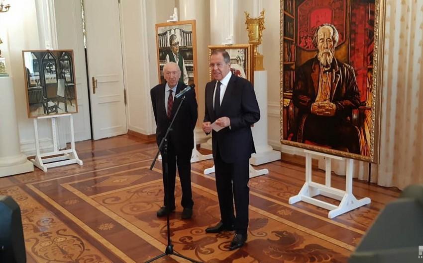Sergey Lavrov Moskvada Tahir Salahovun sərgisində iştirak edib - YENİLƏNİB