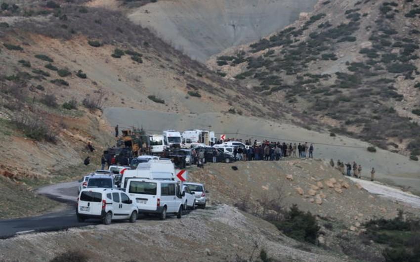 Türkiyədə terrorçuların hücumu nəticəsində 3 nəfər şəhid olub, 4 nəfər yaralanıb