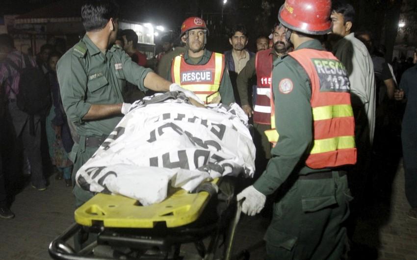 Pakistanda silsilə partlayışlar törədilib, ölən və yaralananlar var - YENİLƏNİB