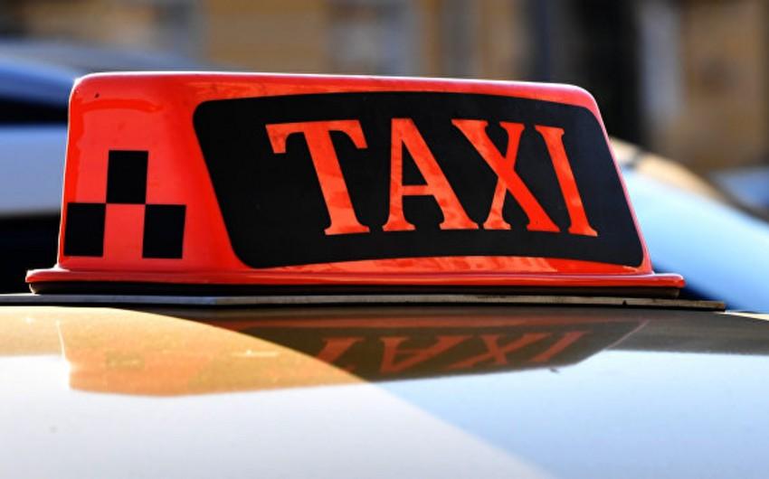 Omanda qadın taksi sürücüləri fəaliyyətə başlayıblar