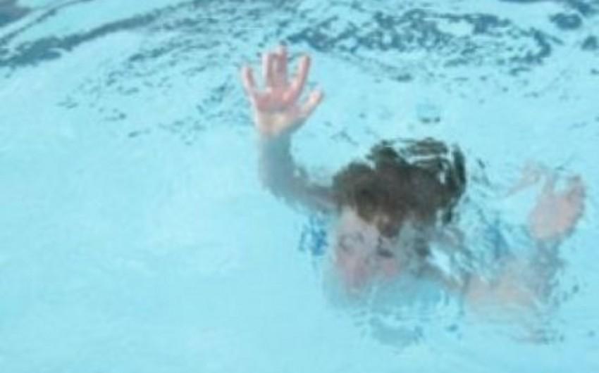 Goranboyda azyaşlı hovuza düşərək boğulub