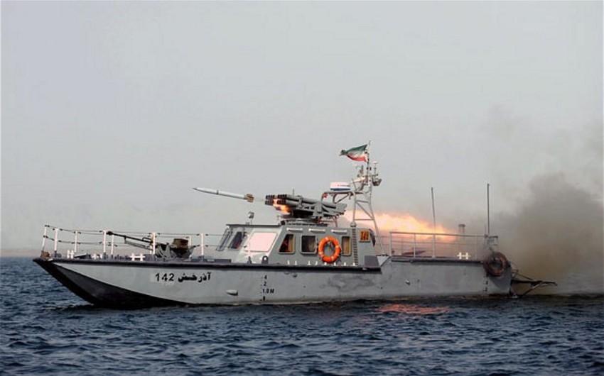 İran saxladığı amerikalı dənizçiləri azad edib