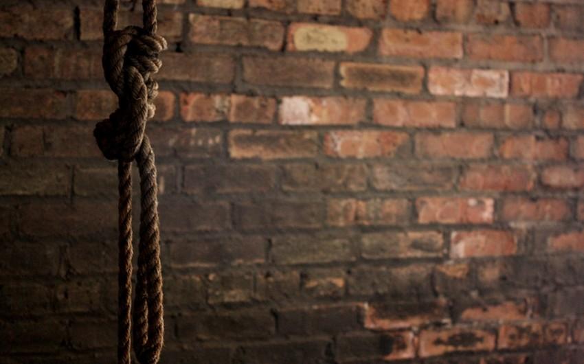 Sumqayıtda 47 yaşlı kişi özünü asaraq intihar edib