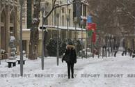 Баку в белом одеянии- ФОТОРЕПОРТАЖ