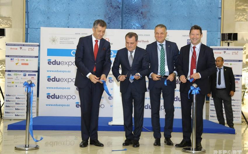 В Баку открылась 13-ая Азербайджанская международная образовательная выставка