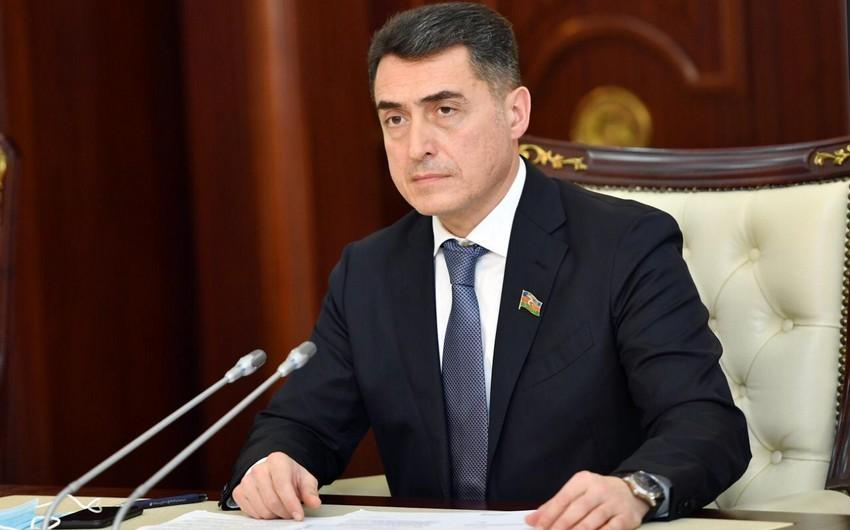 Əli Hüseynli: Deputat vəzifəli şəxsdir