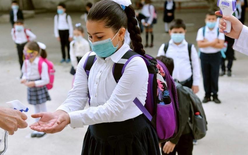 В Азербайджане еще у 23 школьников выявлен коронавирус