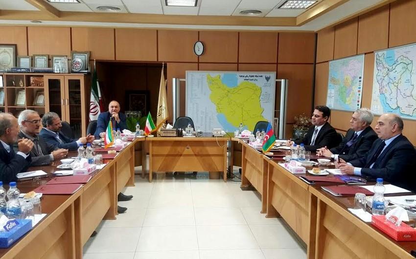 Azərbaycanla İran arasında dəmir yolu körpüsünün tikintisi ilə bağlı Tehranda müzakirələr aparılıb