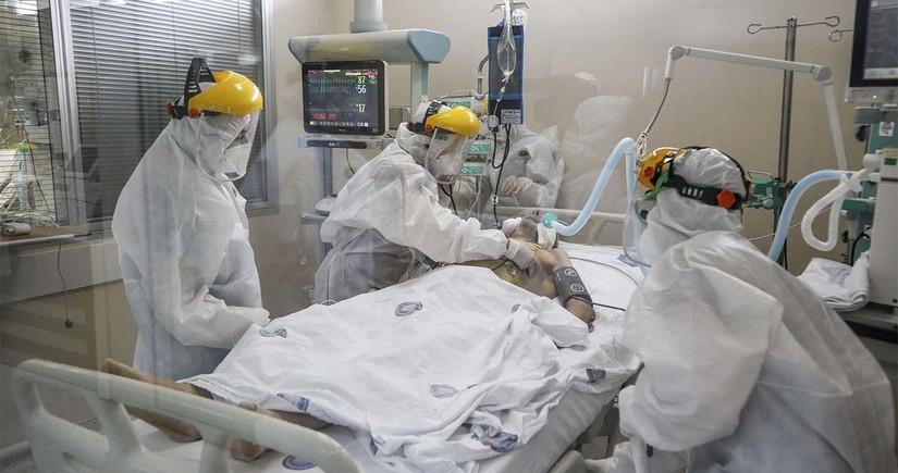 В России зафиксировали новый максимум заражений и смертей от COVID-19