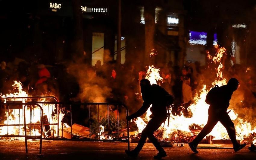 В Каталонии в ходе протестов задержаны 19 человек, пострадали пять полицейских