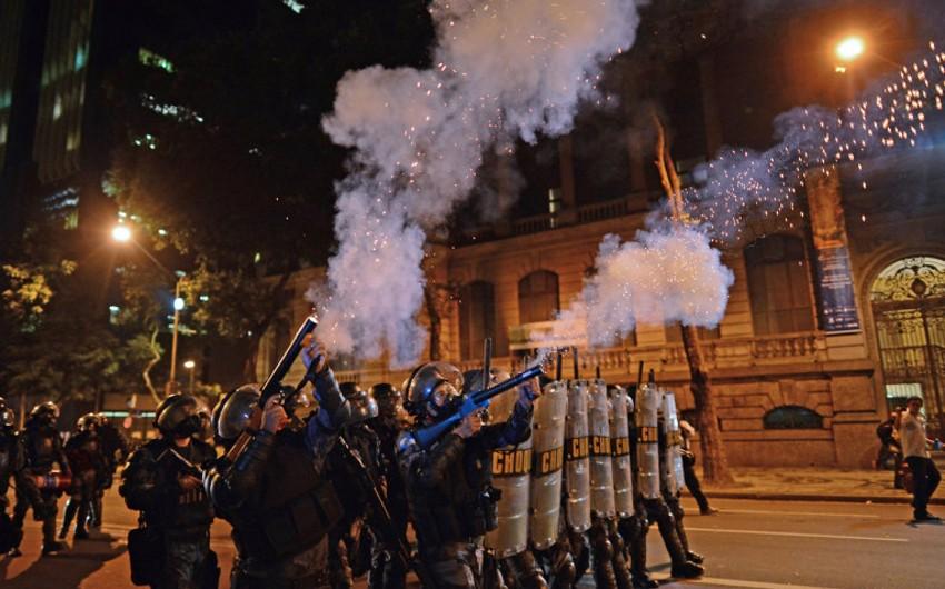 Антиправительственные манифестации проходят в 15 штатах и столице Бразилии