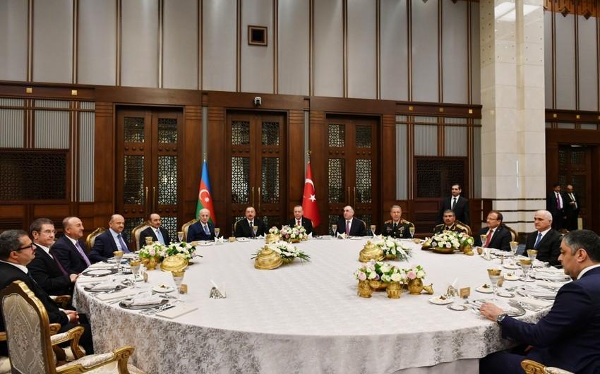 В честь президента Азербайджана дан официальный обед