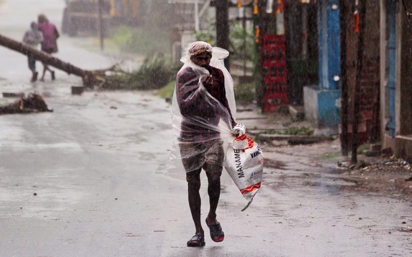 В Индии восемь человек погибли из-за циклона