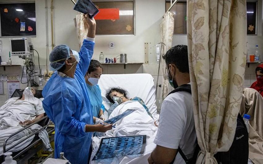 Hindistanda koronavirusa yoluxanların sayı ilk dəfə 200 mindən az olub