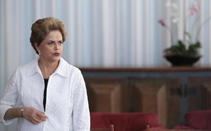 Braziliya senatorlarının əksəriyyəti prezident Dilma Rousseffin impiçmentinə səs verib