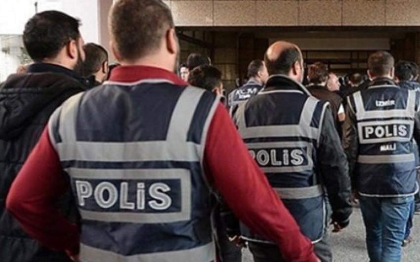 Türkiyə ordusunun daha 300 hərbçisinin tutulmasına qərar verilib