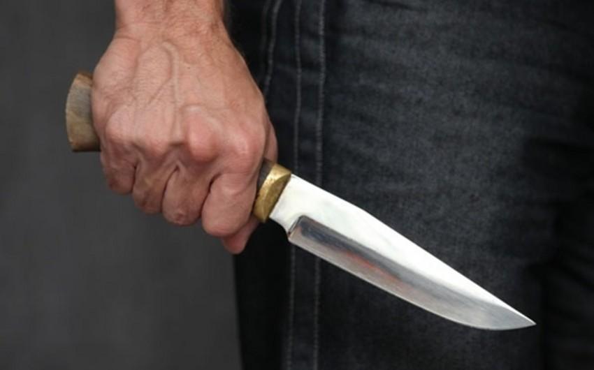 Gənc oğlan 33 yaşlı kişini bıçaqlayıb
