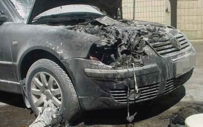 Səbail rayonunda avtomobil yanıb