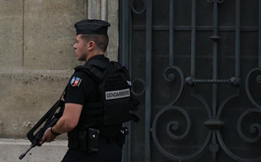 Parisdə terror aktları törətməyi planlaşdıran 3 qadın həbs edilib