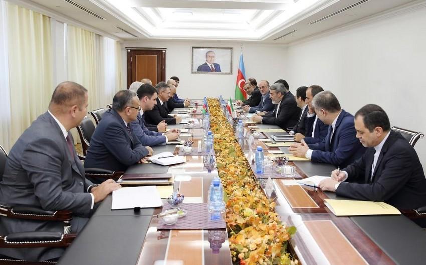 Mədət Quliyev İranın daxili işlər naziri ilə görüşüb