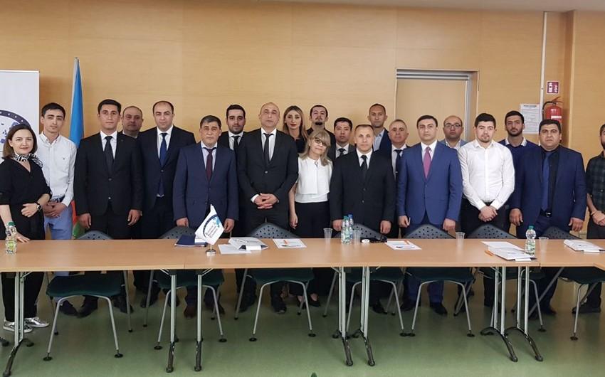 Varşavada AXC dövründə Azərbaycan-Polşa münasibətlərinə dair konfrans keçirilib - FOTO